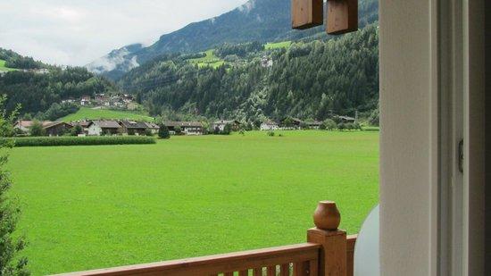 THERESA Wellness Geniesser Hotel: Unsere Aussicht vom Balkon