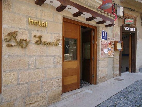 Hotel Rey Sancho : Entrada del Hotel