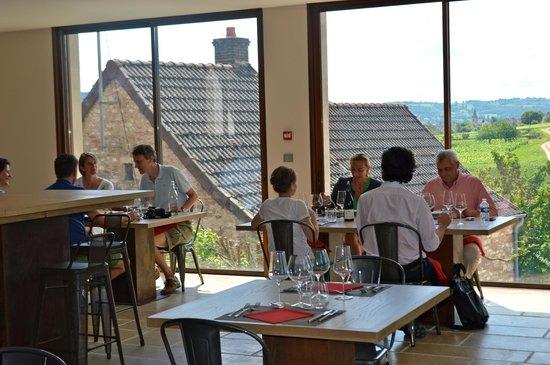 Pr sentation des vins des domaines devillard photo de - La table marseillaise chateau gombert ...