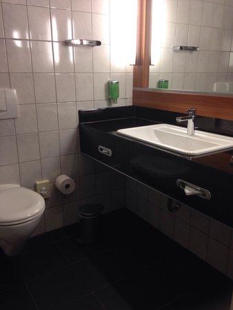 Lindner Congress Hotel Frankfurt: Salle de bains wc