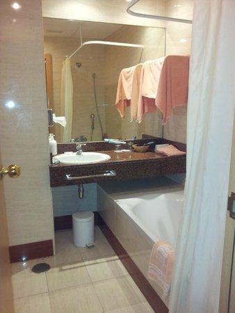 Playabonita Hotel : baño- diseño sin precedentes
