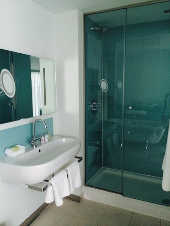 Abode Chester: bathroom