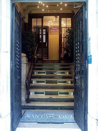 Hotel Santa Cruz: Entrada del Hotel