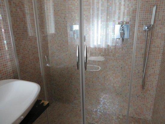 Hotel Abbazia : bathroom