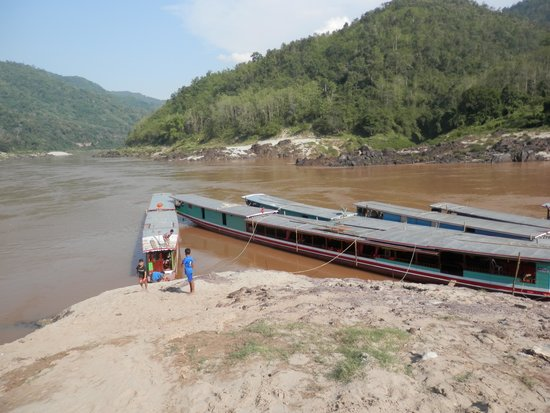 Phetsokxai Hotel Pakbeng: Pakbeng boat mooring - dry season