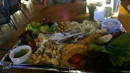 Vamos Beach: Captain's plate