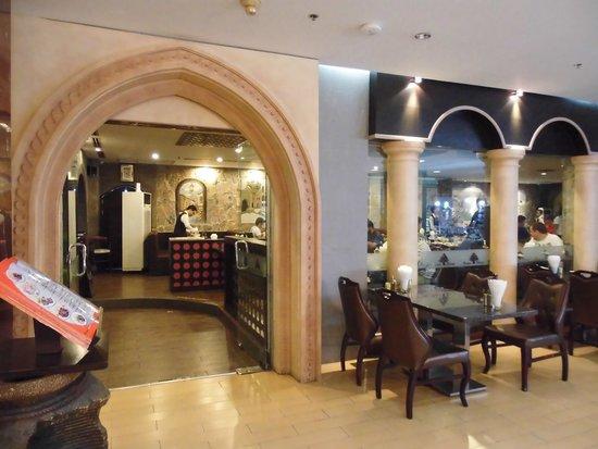 Beirut Restaurant - Silom : 外観