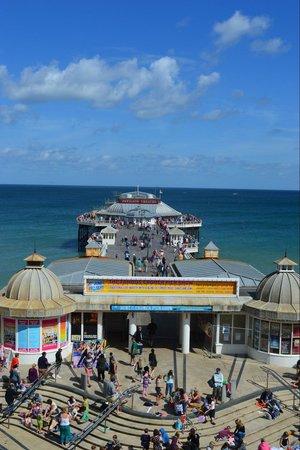 Cromer Pier: The beginning of the pier show