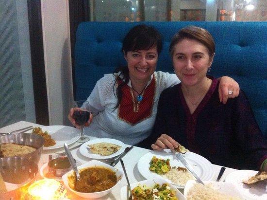 Taj Mahal Restaurant: Manu und Kati, Indien Fan