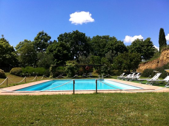 Locanda Rosati: Pool view