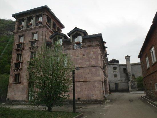 Tufenkian Avan Dzoraget Hotel: Nebengebäude