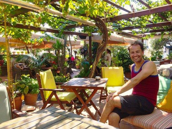 Pelican Kipos: Chillin' in the amazing garden café