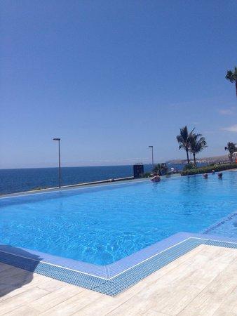 Hotel Riu Palace Meloneras Resort: Infinity pool