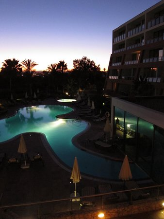 Pestana Alvor Park Hotel: Pool at night
