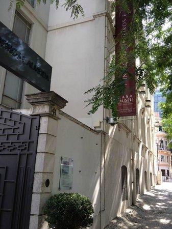 Medeiros e Almeida Museum: 美術館入口