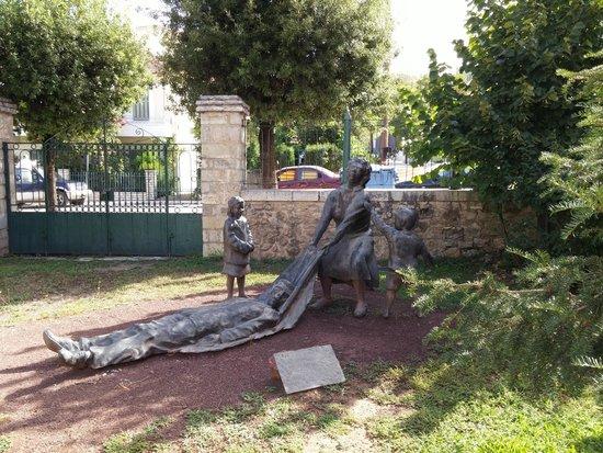 Musée municipal de l'Holocauste de Kalavryta : Δημοτικό Μουσείο Καλαβρυτινού Ολοκαυτώματος