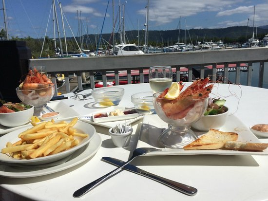 Marina View Restaurant: Fresh prawns overlooking the gorgeous Marina