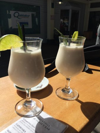 Marina View Restaurant: Pina Colada anyone?