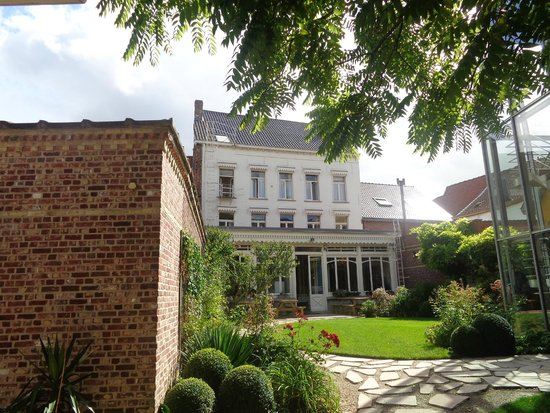 The back view of Talbot House from the garden