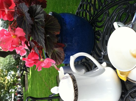 The Old Ground: Tea in the courtyard