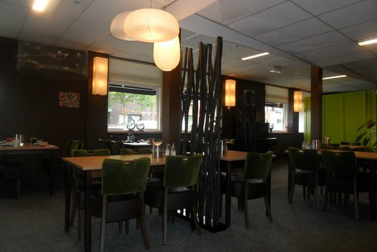 Hotel De Kroon: Breakfast room