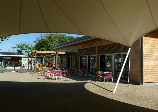 Camping le cadoret fouras frankrijk foto 39 s en reviews for Fouras hotel