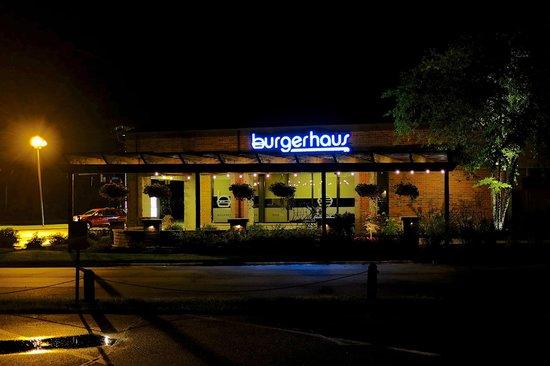 Burger Haus: Exterior