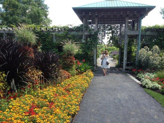 montreal botanical gardens exhibition gardens - Montreal Botanical Garden