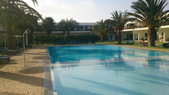 Hotel Dunas de Sal : View of the court yard and the swimming pool, as seen from the reception