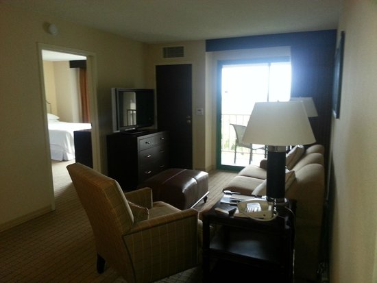 Sheraton San Jose Hotel: view of the living room area of the suite