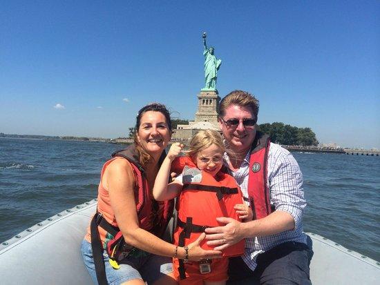 New York Media Boat / Adventure Sightseeing Tours: Fun on the Hudson!