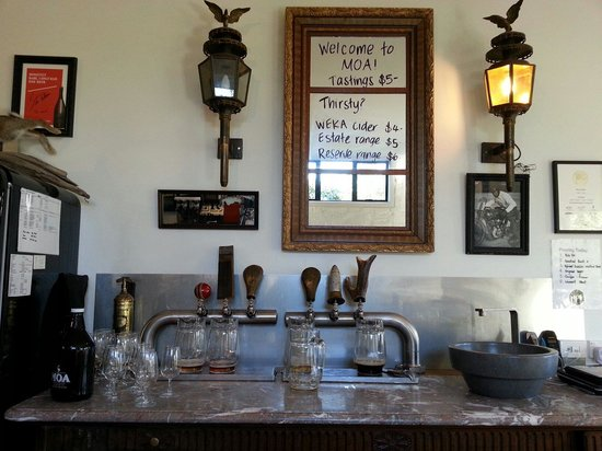 Moa Brewery Bar: the tasting bar