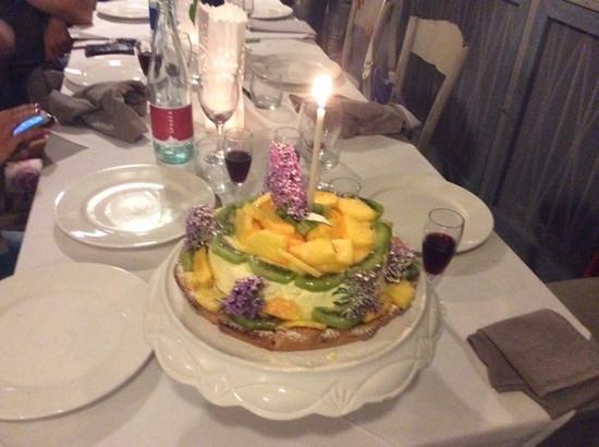 La Culla di Bacco: torta compleanno