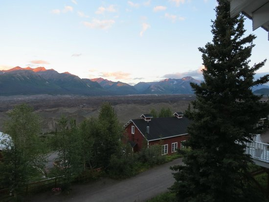Kennicott Glacier Lodge: view from the hotel