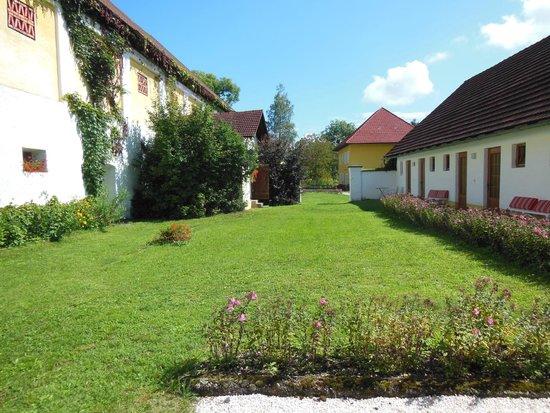 Skorianzhof : surrounding