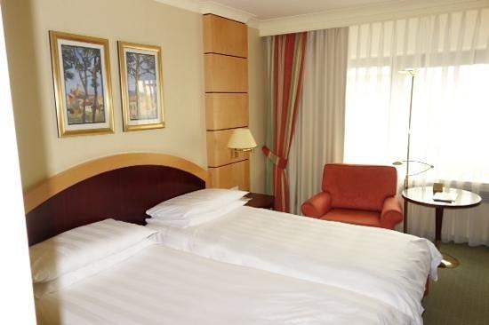 InterContinental Frankfurt: bed