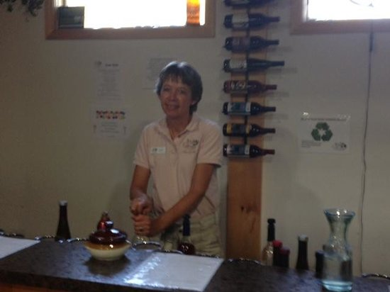 JD Wine Cellars - our hostess