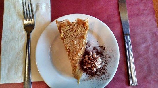 Tours Voir Quebec: Sugar Pie at Le Petit Coin Latin