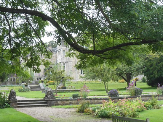 Monk Fryston Hall Hotel : In the grounds