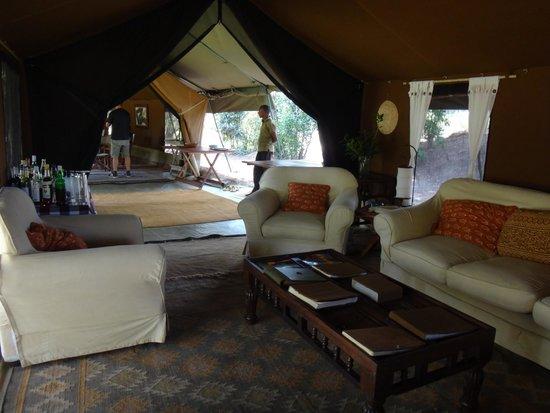 Serian: Nkorombo lounge