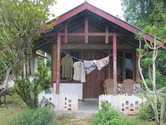 Arlen Nova's Paradise Guesthouse: Our bungalow