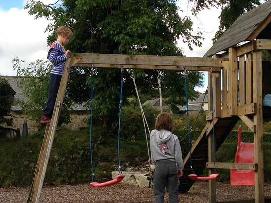 West Hollowcombe Self Catering Cottages: The Playground