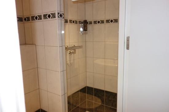 Hotel Luxer: bath