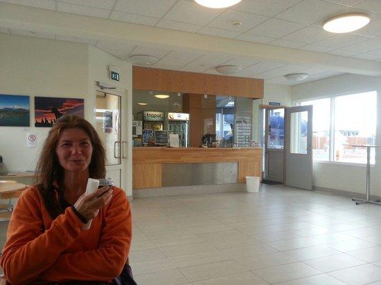 Blönduós Sports Centre: Eingangsbereich mit kostenlosen, starken Kaffee :-)