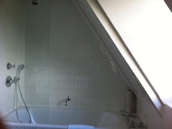 Waldorf Astoria Trianon Palace Versailles : shower
