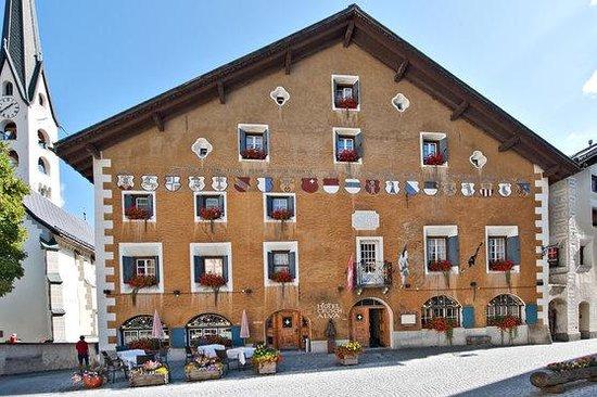 Hotel Crusch Alva : Aussenfassade