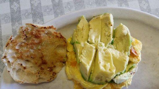 Mountain Lyon Cafe : Egg sandwich with avocado.