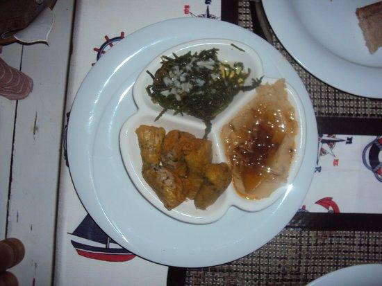 Balikcinin Yeri Restaurant: Mixed mezes plate