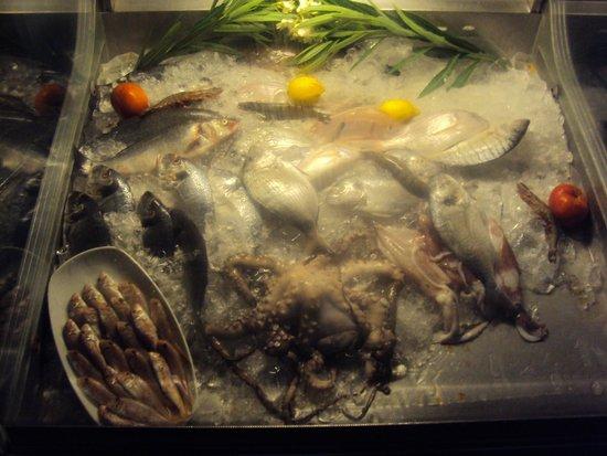 Balikcinin Yeri Restaurant: Fresh fish