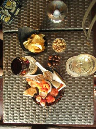 Fatamorgana - American Bar: Drinks & Snacks!